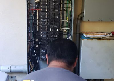 Residential electric panel Replacement Maui.